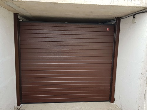 Експрес Жур ЕООД Произвежда секционни гаражни врати в гр. Варна